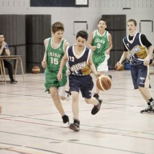 Match de basketball masculin